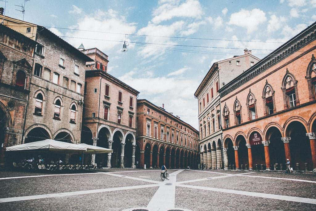 What are the best free things to do in Bologna Italy